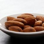 中性脂肪を減らすアーモンド!?誰でも簡単にできるダイエット方法とは?