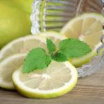 ダイエットにレモンがおススメ‼知らないと危険?レモンの正しい食べ方